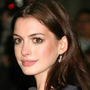 Anne Hathaway Lesbian Role In Glee