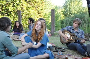 Felix Armand, India Menuez and Johnny Flynn in Something in the Air